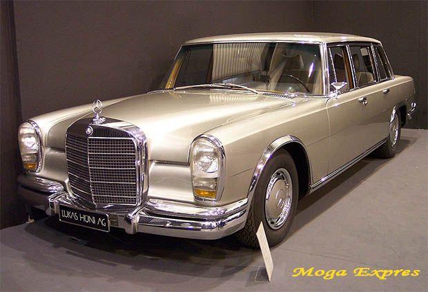 سيارات الليموزين في الاصل وتريخها وانواعها سيارات الليموزين الليموزين هي نوع من أنواع السيارات الفخمة جدا ولكن سيارة الل Benz Mercedes Benz Cars Mercedes Benz