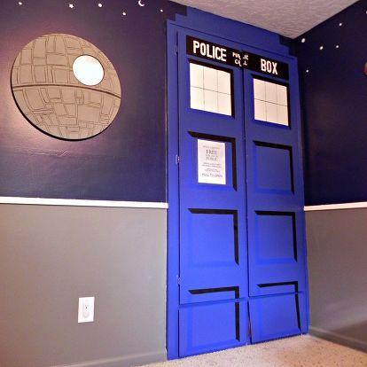 super space geek bedroom, bedroom ideas, home decor, Death Star mirror and TARDIS closet