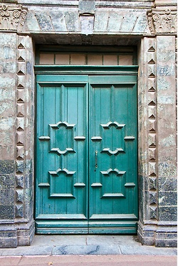 Church door in the streets of Saint-Tropez, France. By Cedric Converset