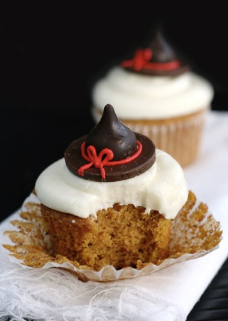 halloween cupcakes witch legs