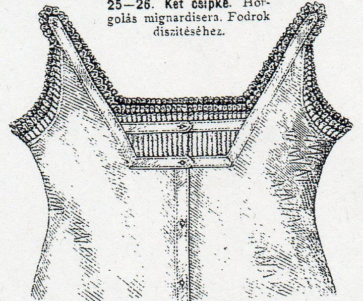 Sleeveless chemise with square cut from Budapesti Bazár 1878