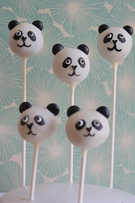 Panda Cake Pops   gebacken von: Sanny Kaur https://www.youtube.com/user/xSannyKaur