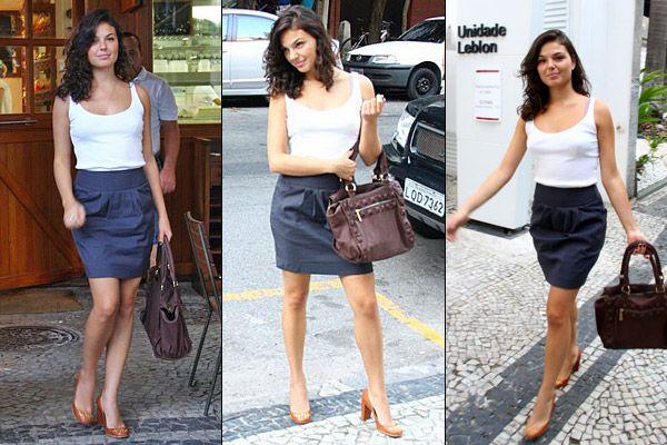Saias jeans moda que pega Saias jeans moda que pega, e estar sempre inovando, os produtores da moda hoje vem trazendo modelos rodados, com babados, balonês, cintura alta, curtas ou compridas, com pregas,