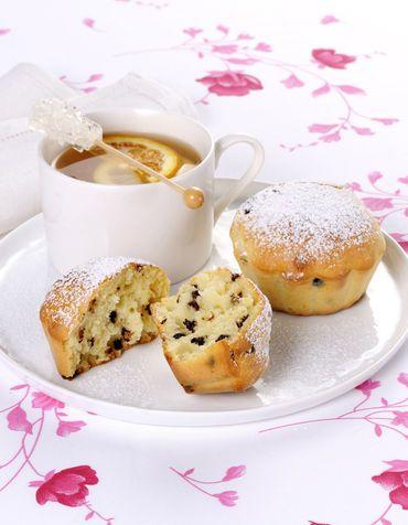 Muffin al cacao con tè all'ananas