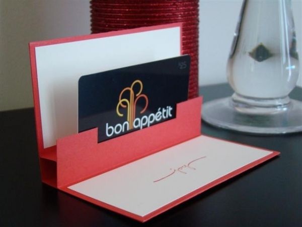 These Innovative Gift Card Holders Are A Great Way To Display Your Plastic  Card