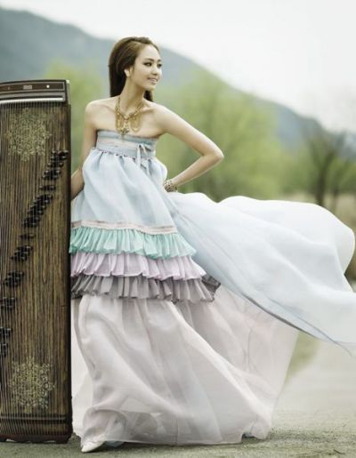 Modern Korean style bridesmaid dress. I Love!