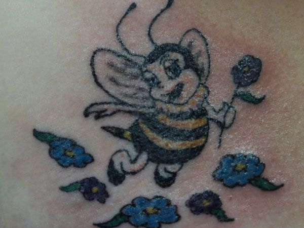 chest bumble bee tattoo 25 Cool Bumble Bee Tattoo