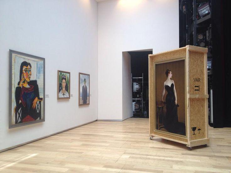 Ik gaf net een gallery tour achter de coulissen. Straks première Il Viaggio A Reims, Nationale Opera @DutchNatOpera!