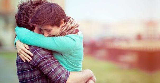 5 consejos para avivar el amor en el matrimonio a través del abrazo
