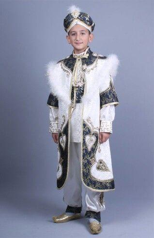 Şah sultan krem lacivert kaftan sünnet kıyafeti