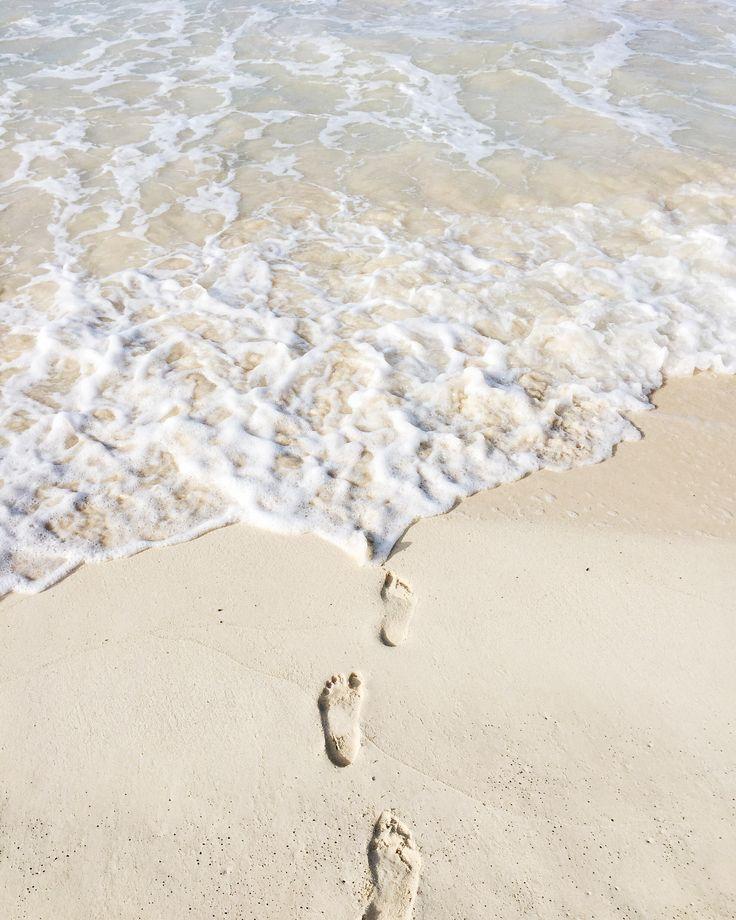 Best Beaches on Oahu | Hawaiian White Sand Beach | Beaches in Hawaii | Travel Guide to Oahu via @elanaloo + elanaloo.com