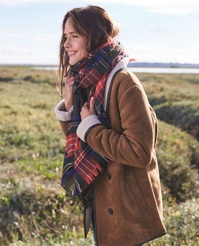 Manteau Paul & Echarpe Irish - Capsule Novembre www.sezane.com #sezane #lookbook #capsule #novembre #novemberbaby #modernlove