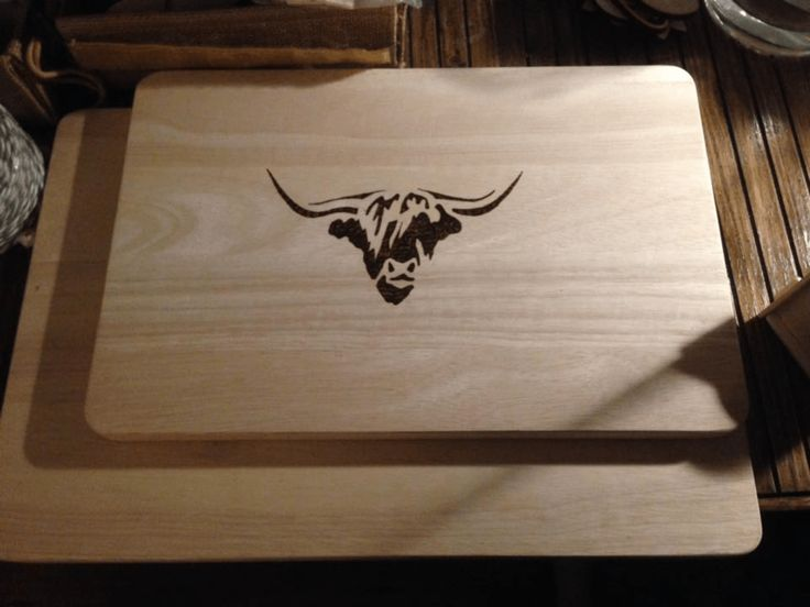 Wooden chopping  board / cheeseboard with highland cow design