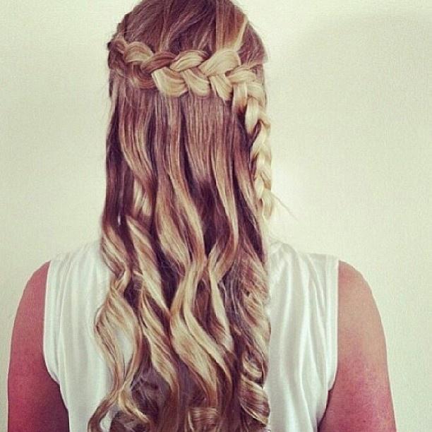 Tresses africaine  a l'envers  et sur le côté // Side deutch braid and half ponytail effect