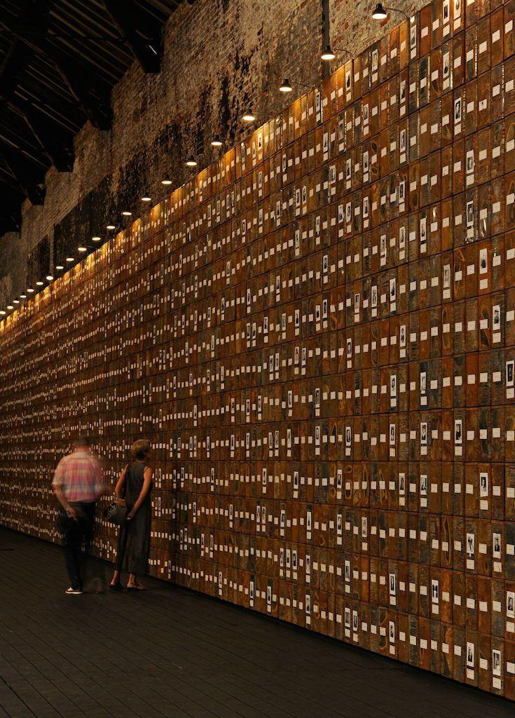 Les chambres de mémoire de Boltanski | Mu-inthecity.com Les Registes du Grand-Hornu, Christian Boltanski, photo de Gobert
