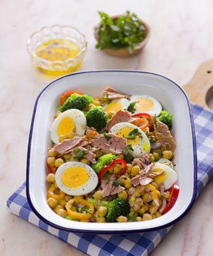 Salada de grão com atum - uma receita fácil para as crianças prepararem (quase sozinhas) para o Dia da Mãe