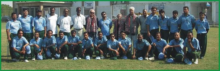 Ex. International Cricket Umpire Mehboob Shah with Mr. & Mrs. Ashraf Ali (USA) with Karachi Disable Cricket Team. 1st Nov. 2009.