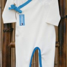 This BabyJo Kimono romper is soft and luxurious with several special features including trim, a Kimono tie that allows for some adjustment to suit differing body sizes, snap fasteners on the inner legs for ease of changing and room for cloth nappy wearers. http://premmieto2.com.au/product/bamboo-baby-clothes-footed-romper-blue/