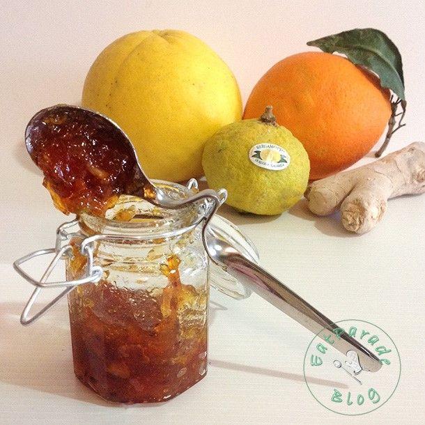Una marmellata di agrumi ha sempre una marcia in più, soprattutto se realizzata con profumatissimo bergamotto di Calabria ed un tocco di pungente zenzero.