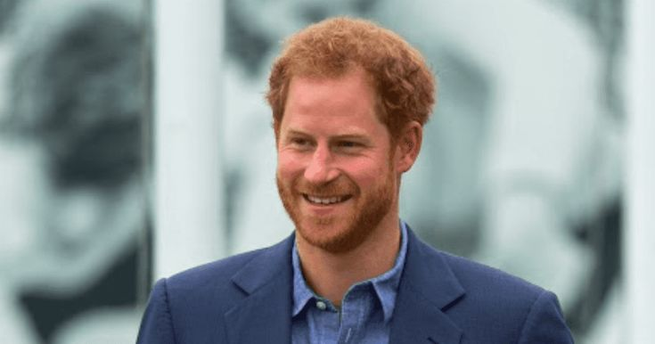 A couple fun gifs.... In one of his most candid interviews to date, Prince Harry opened up to the Daily Mail about his struggles with his title and how he once wanted to leave the Royal Family.