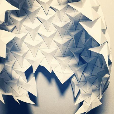 Ron Resch's paper tessellation. ⏫⏬⏫ #unilife #tessallation #triangles #ronresch #paperfolding #origami #geometry #innerasian