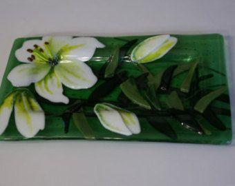 Tazón de fuente de vitrofusión Floral por BloomingLilyGlass en Etsy