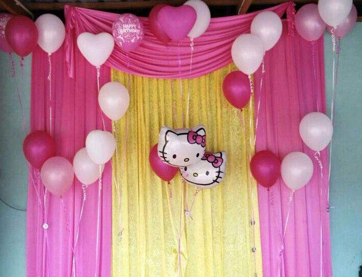 Belon helium bertemakan kartun Hello Kitty atas permintaan pelanggan kami sempena menyambut hari ulangtahun anak mereka di Tanjung Gading, Muar.  Untuk pertanyaan & tempahan Whatsapp di talian 0197245563  #singgahshops #heliumballoon #foilballoon #balloonservicesegamat #balloonsegamat #surpriseplanner