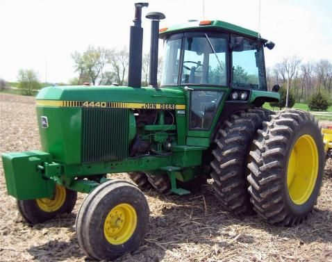 John Deere 4440 the Christmas present of 1980 brand new