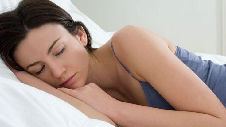 Ce sa faci/sa nu faci ziua ca sa sa te poti odihni noaptea? Daca ati incercat toate metodele de a adormi rapid si tot nu ati reusit, este posibil ca problemele pe care le aveti cu somnul sa aiba legatura cu modul dumneavoastra