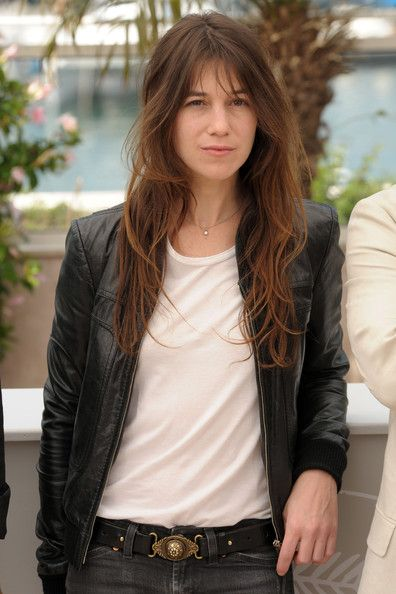 Charlotte Gainsbourg always gives effortless parisian chic