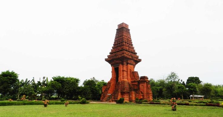 bajang ratu temple   mojokerto, east java, indonesia