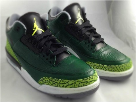 Storied custom shoe maker Mache drops another hot pair of sneakers, this  time putting his own spin on the Air Jordan III Oregon Pit Crew.