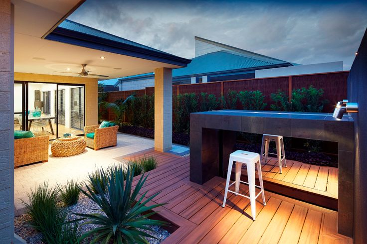 Trex Decking Perth Display Tiki Torch (1)