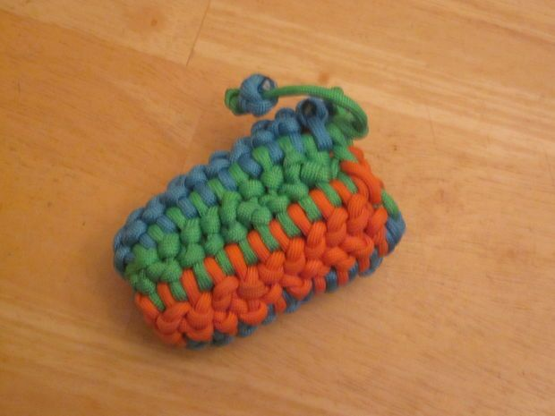 how to make a small paracord pouch