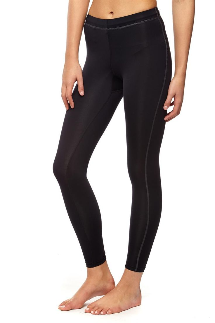 <p></p>  <p>COMPRESSION 7/8</p>  <p>Running tights that fit like a second skin and soothe your muscles.</p>  <p>- Keep cool and dry with moisture wicking technology</p>  <p>- Suportive 4-way stretch fabric</p>  <p>- Elastic waistband with drawcord for a perfect fit</p>  <p>- Flatlocked seams reduce friction for added comfort</p>