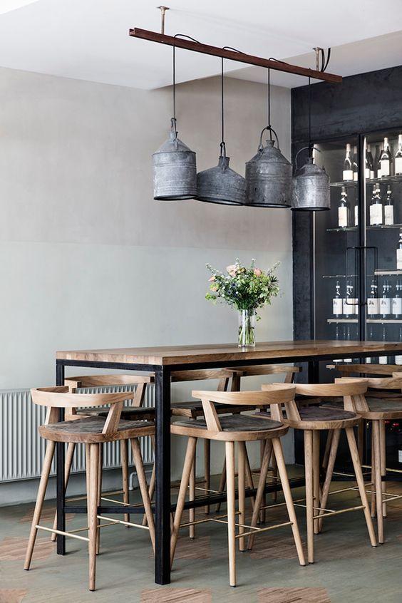 lámparas colgantes con recipientes de zinc antiguos