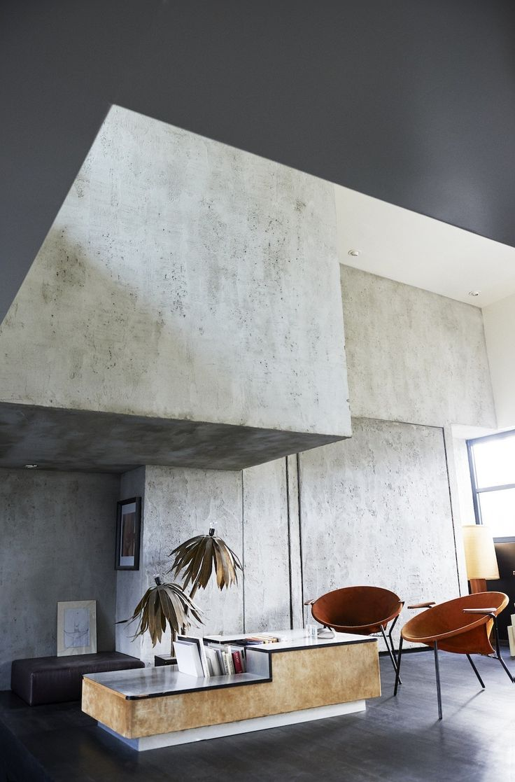 Cool concrete interior at home with Nelleke Strijkers, founder of concept store SPRMRKT - Vogue Nederland