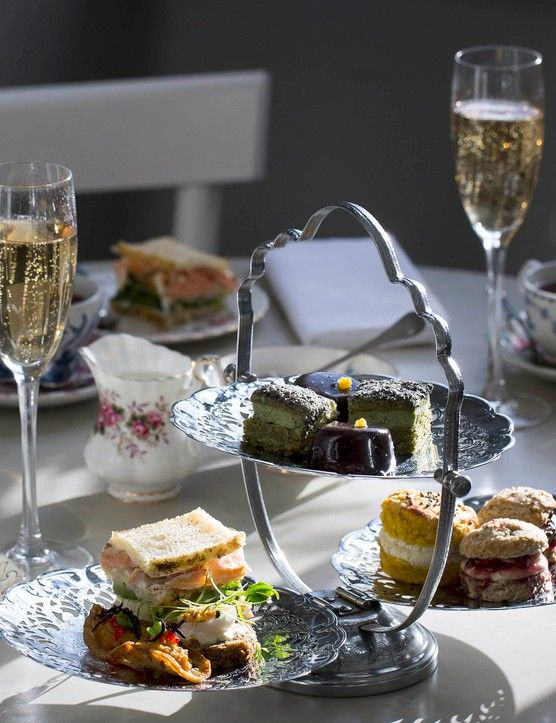 Booking an afternoon tea in London? We've eaten a LOT of cake to find the best spots, including Fortnum & Mason, Claridge's and Sketch. (Regularly updated)