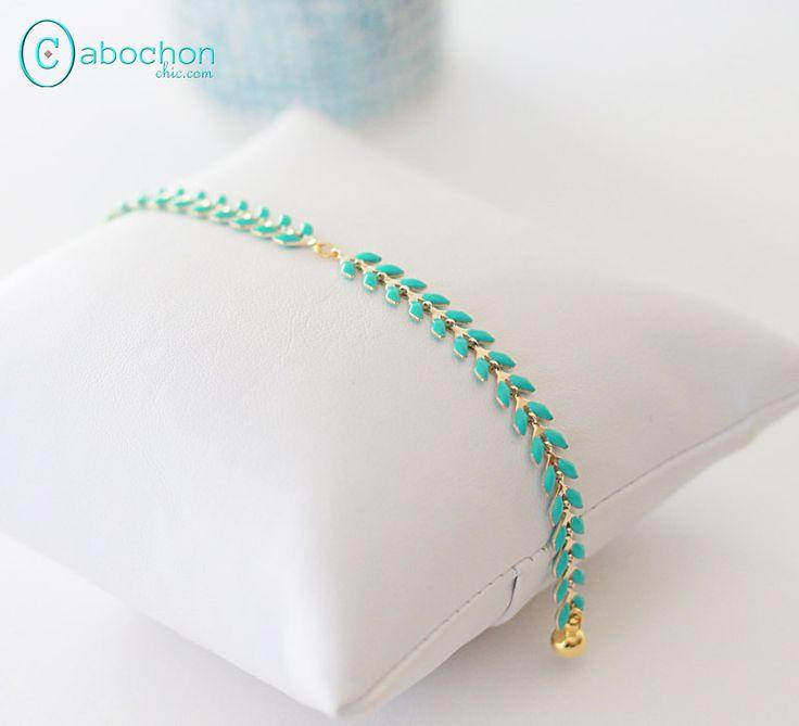 Bracelet mint et doré, chaîne épi émaillée, fermoir aimanté : Bracelet par cabochon-chic