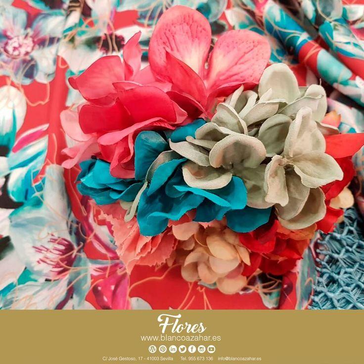 🌸¡Llegó la #Primavera! 🌸  Encuentra todos sus colores en #BlancoAzahar para tus #FloresDeFlamenca. Llena de color tu #Fería, con nuestros #mantones y #ramilletes.    #Sevilla #flores #BlancoAzahar #ModaFlamenca
