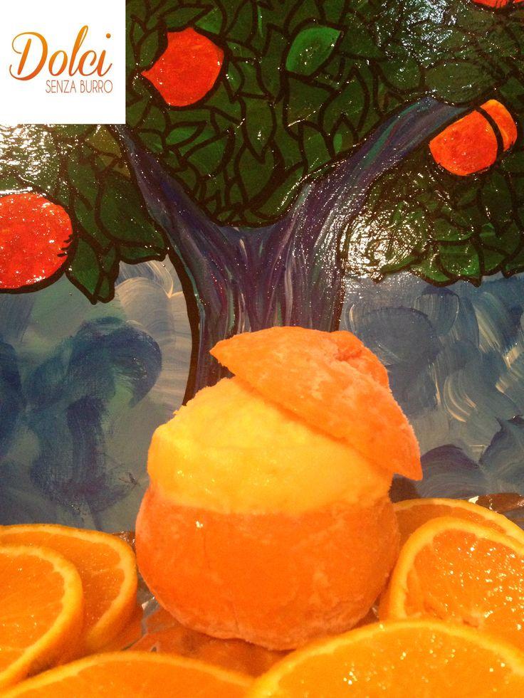 Il SORBETTO AL MANDARINO è un leggero e fresco dolce facile e veloce da realizzare! Da servire direttamente dentro al frutto per stupire un modo originale! Il #sorbetto al #mandarino è perfetto da gustare a fine pasto! Ecco la #ricetta del #dolce http://www.dolcisenzaburro.it/recipe-items/sorbetto-al-mandarino/ #dolcisenzaburro healthy and light dessert sweets cakes