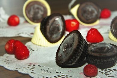 Jahodové košíčky s domácí nutellou /Strawberry cupcakes with Homemade Nutella/ Bezlepkový a nízkosacharidový zdravý recept /Gluten free and low carb healthy recipe/