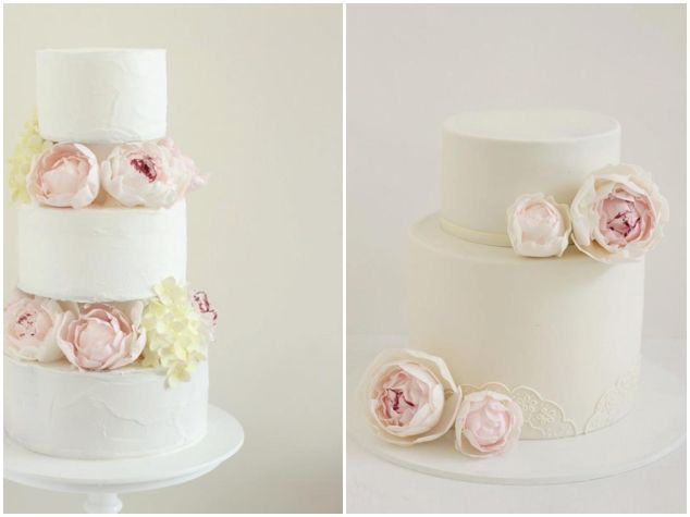 Can you believe those are sugar flowers?! So realistic! Hello Naomi: Modern, Chic Wedding Cakes - Bridal Musings Wedding Blog