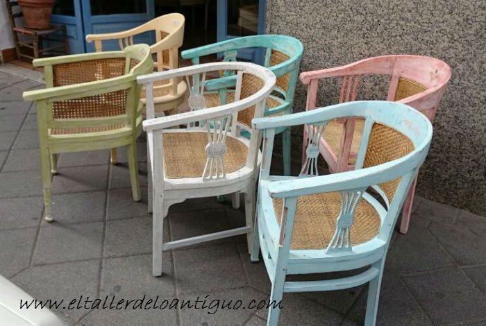 Tutorial para pintar estilo Shabby chic muebles de colores. Sillones de madera y rejilla