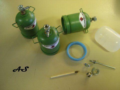 Gas Bottle how to - Nilikentän miniatures - Vuodatus.net (wonder if a party popper would work hmmm!)