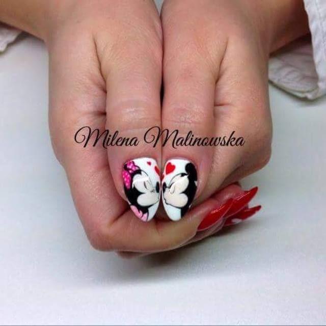 by Milena Malinowska Indigo Nails Lab - Find more Inspiration at www.indigo-nails.com #Nail #Valentines #Valentinesday #Mani #Nailart #kiss