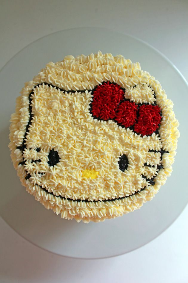 Mini Hello Kitty Cake | vanilla sponge cake with lemon buttercream frosting