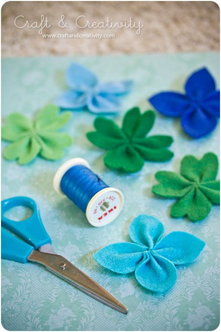 FELT FLOWERS YOU CAN MAKE, DIFFERENT COLORS FOR THE DIFFERENT OCCASIONS  filtblomma1