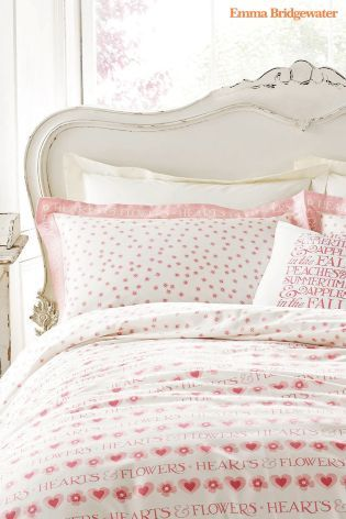 Did you know that we sell Emma Bridgewater? This heart bedding is definitely one of our favourite pieces and would make a great Mother's Day gift too, winning!