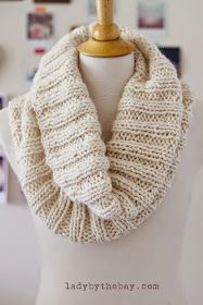 Lady by the Bay - Cozy Ribbed Scarf Knitting Pattern
